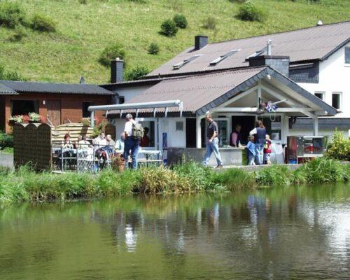 Fisch-Grill in Gersfeld, Angelteiche